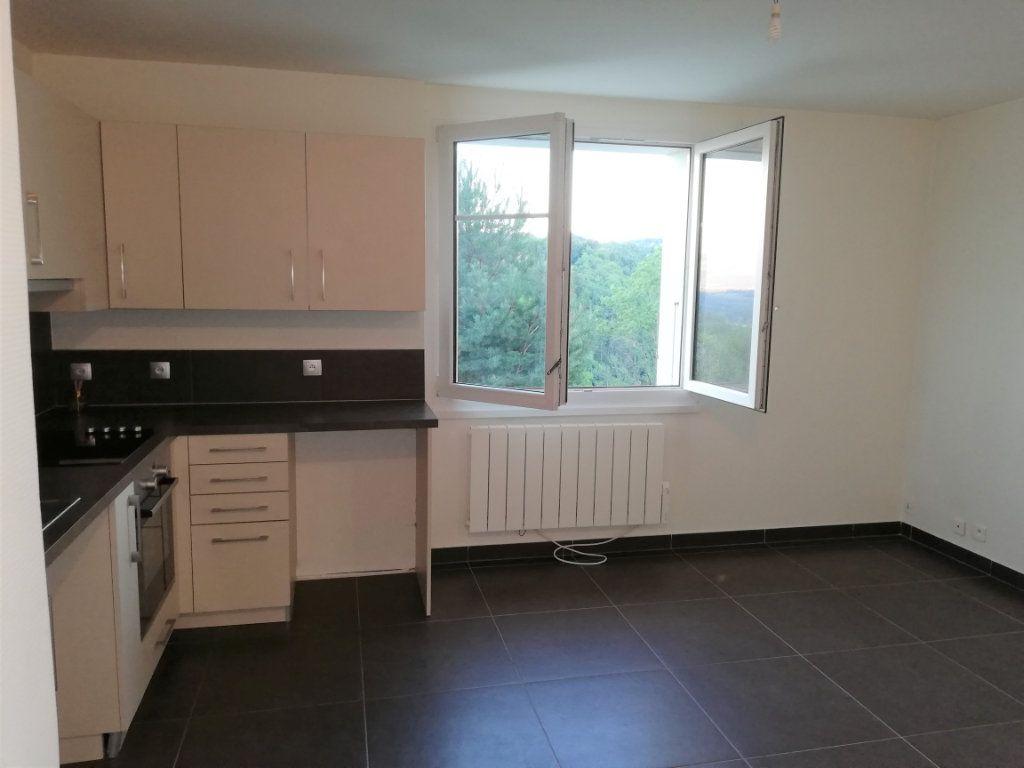 Appartement à louer 2 39m2 à Monnetier-Mornex vignette-2