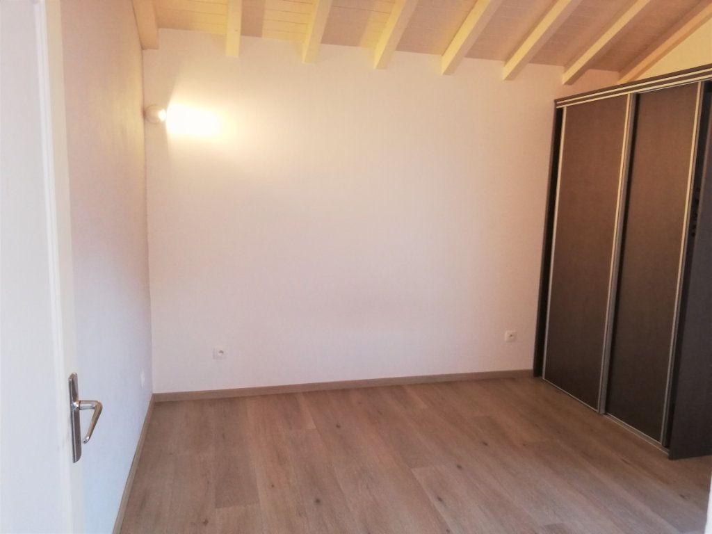 Appartement à louer 2 39m2 à Monnetier-Mornex vignette-3