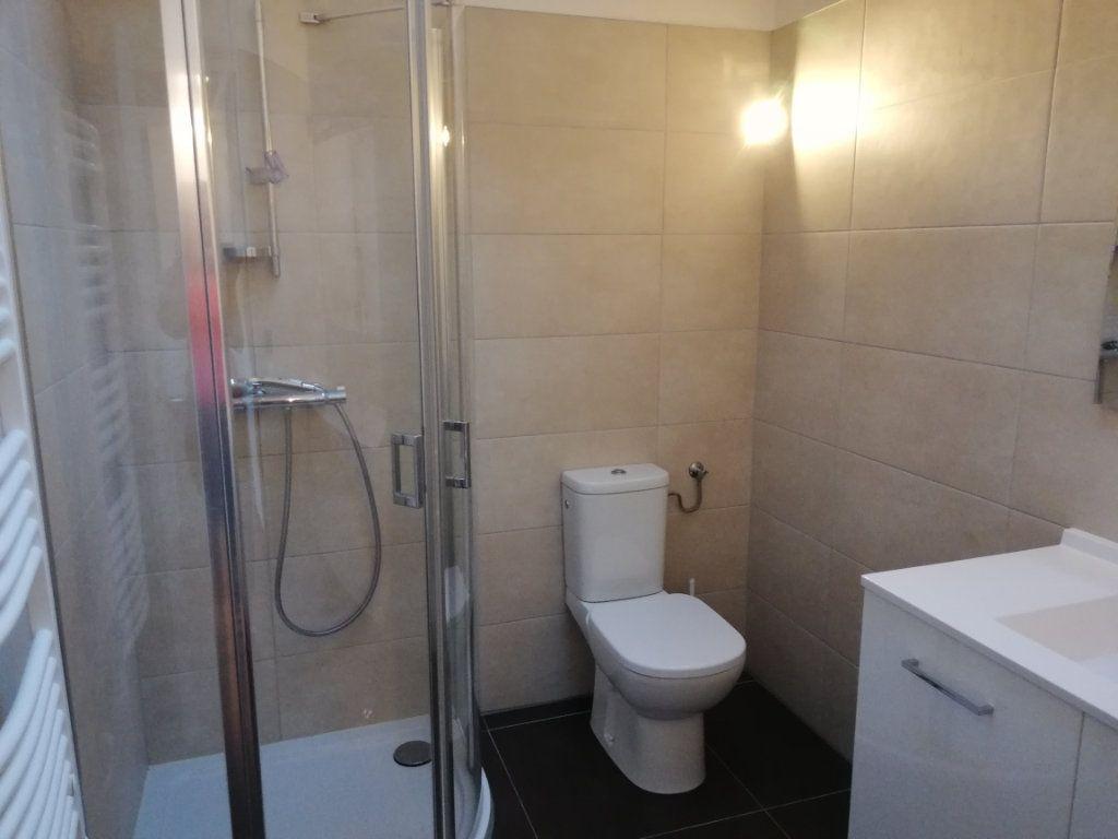 Appartement à louer 2 39m2 à Monnetier-Mornex vignette-4