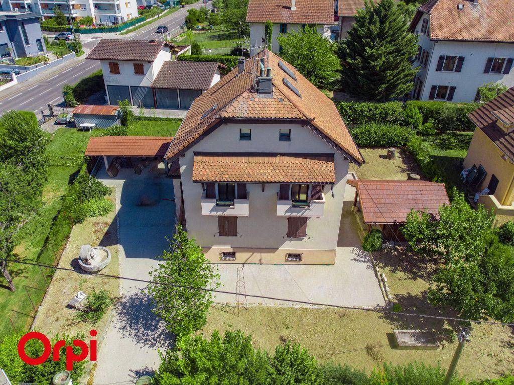 Maison à vendre 6 137.83m2 à Annemasse vignette-1