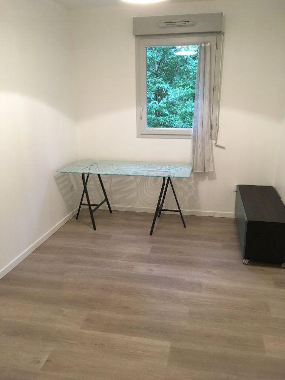 Appartement à louer 3 60m2 à Saint-Genis-Pouilly vignette-10