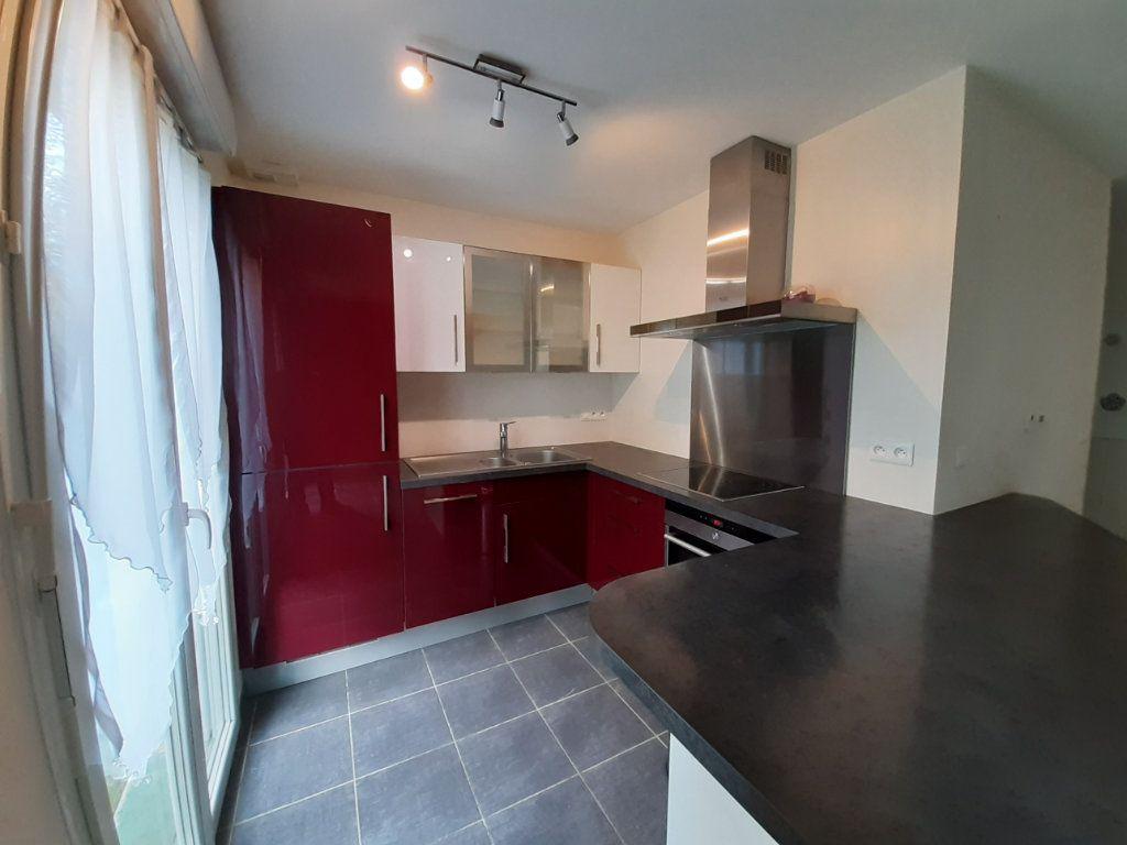 Maison à vendre 4 81.92m2 à Saint-Jean-de-Gonville vignette-3