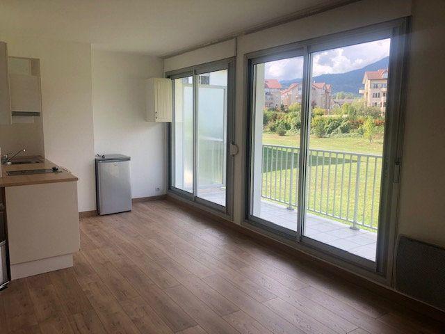 Appartement à louer 1 32m2 à Divonne-les-Bains vignette-1