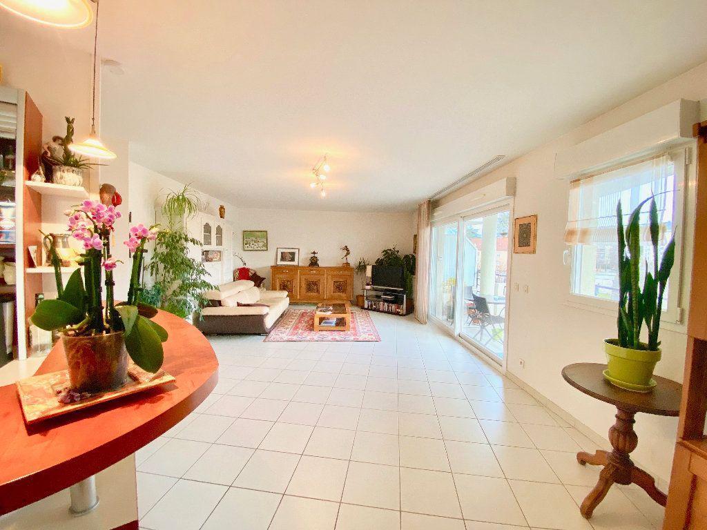 Appartement à vendre 3 81m2 à Annemasse vignette-2