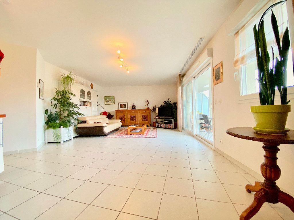 Appartement à vendre 3 81m2 à Annemasse vignette-3