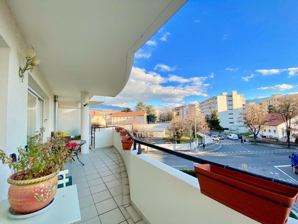 Appartement à vendre 3 81m2 à Annemasse vignette-6