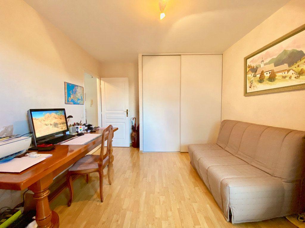 Appartement à vendre 3 81m2 à Annemasse vignette-8