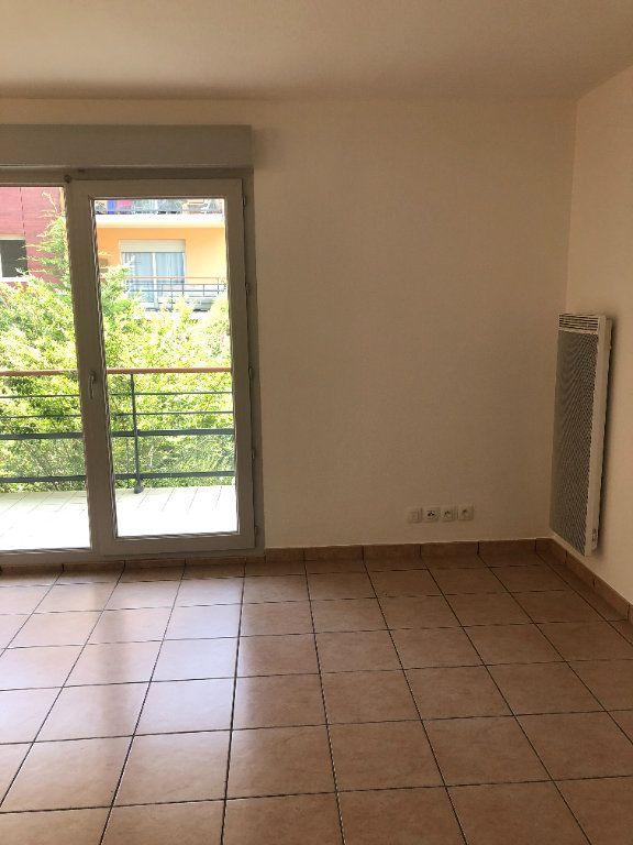Appartement à louer 1 33.51m2 à Gex vignette-3