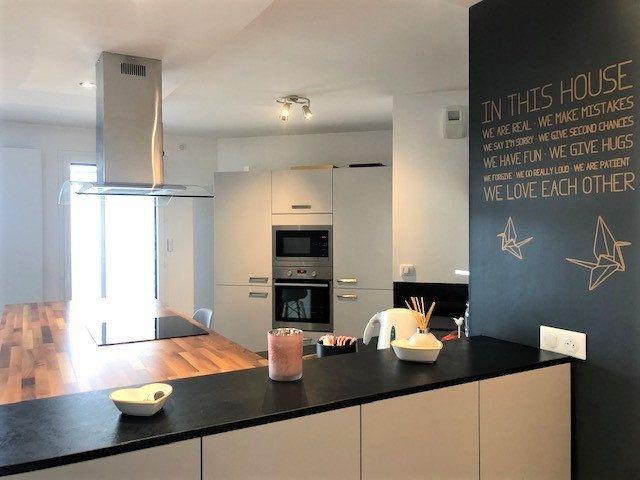 Appartement à vendre 4 88.96m2 à Divonne-les-Bains vignette-3
