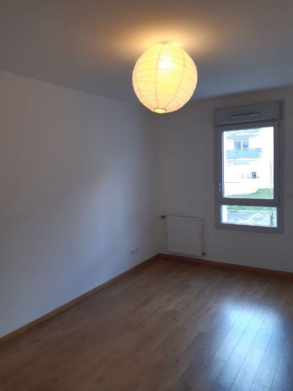 Appartement à louer 4 81.83m2 à Gex vignette-6