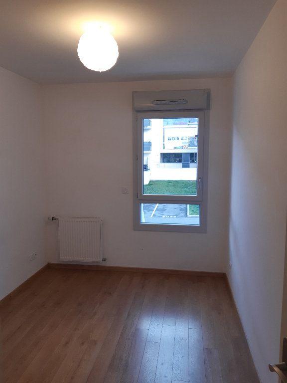Appartement à louer 4 81.83m2 à Gex vignette-7