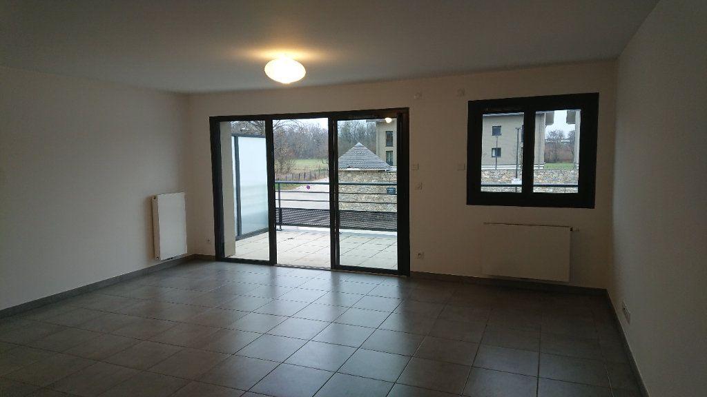 Appartement à louer 3 68.3m2 à Prévessin-Moëns vignette-2