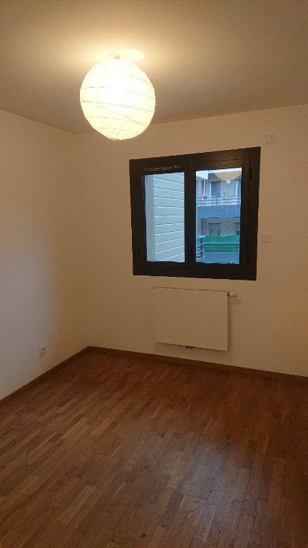 Appartement à louer 3 68.3m2 à Prévessin-Moëns vignette-6