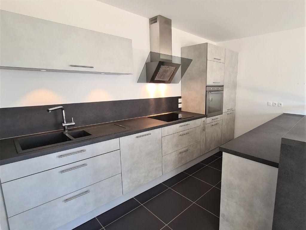 Appartement à vendre 3 66.57m2 à Saint-Genis-Pouilly vignette-6