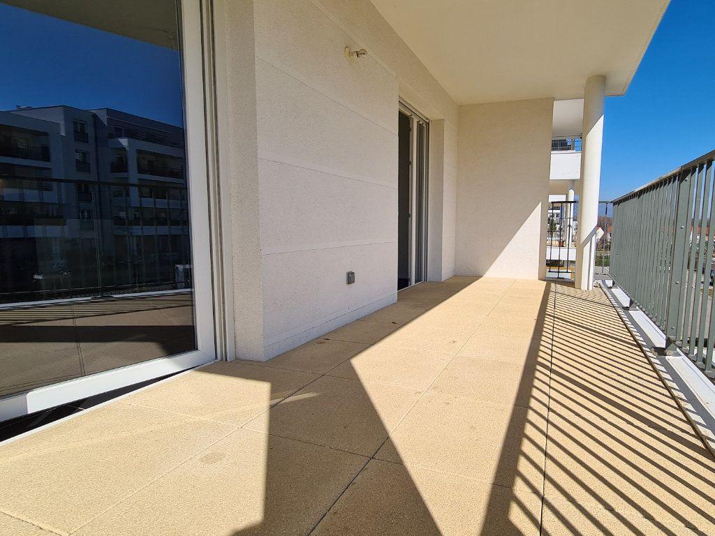 Appartement à vendre 3 66.57m2 à Saint-Genis-Pouilly vignette-9