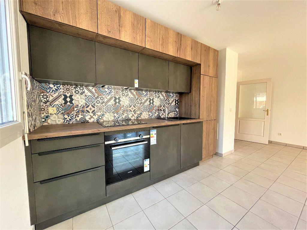 Appartement à vendre 3 66.84m2 à Saint-Julien-en-Genevois vignette-2