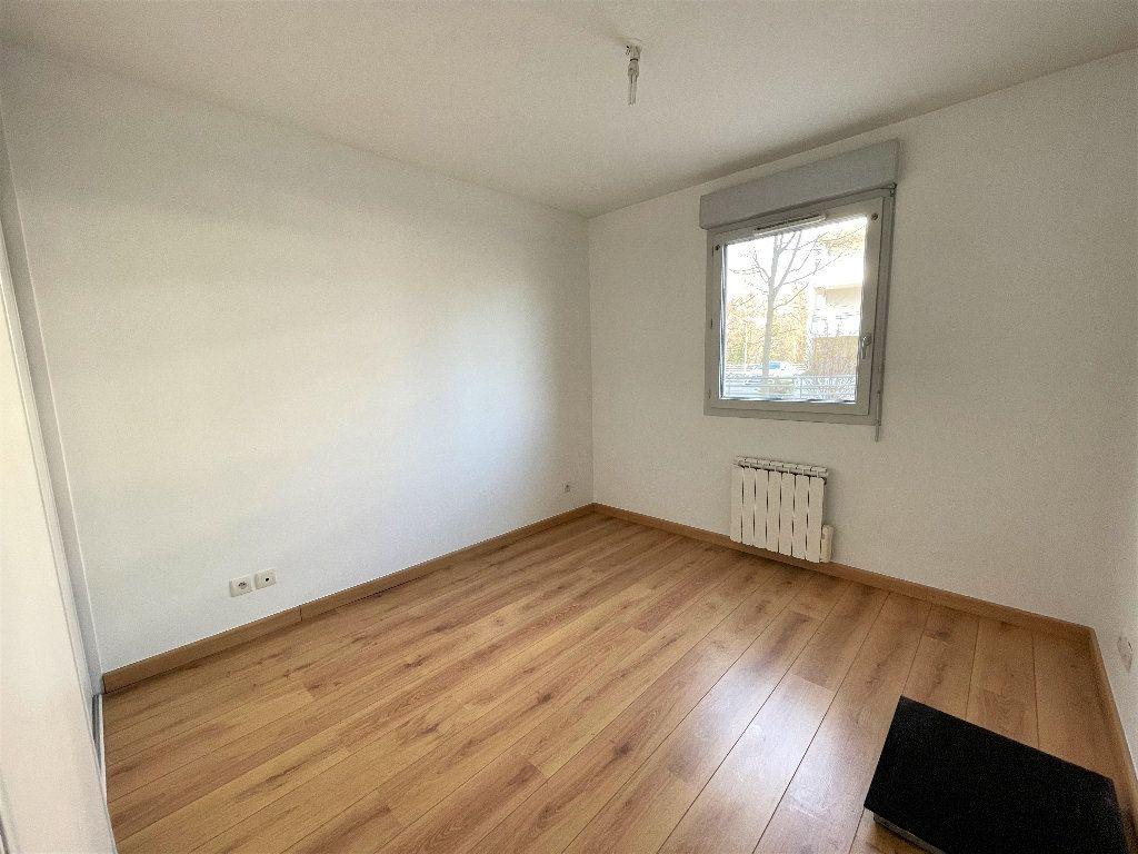 Appartement à vendre 3 66.84m2 à Saint-Julien-en-Genevois vignette-5
