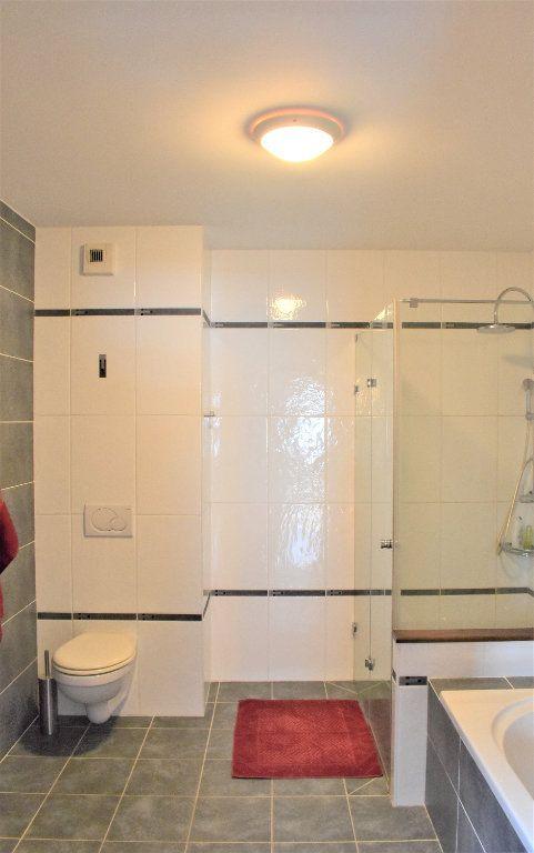 Appartement à louer 4 117.67m2 à Reignier-Ésery vignette-4