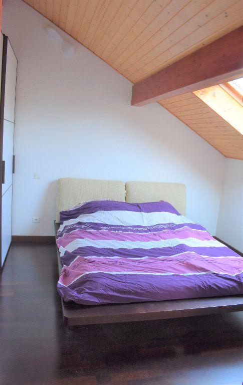 Appartement à louer 4 117.67m2 à Reignier-Ésery vignette-5