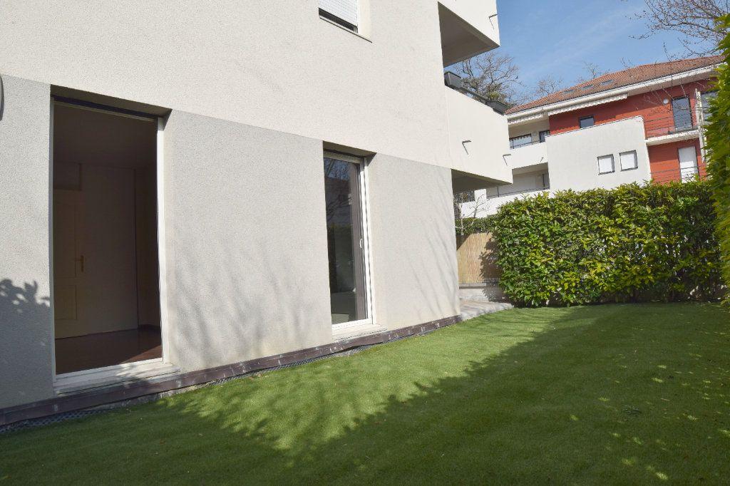 Appartement à vendre 2 61m2 à Prévessin-Moëns vignette-7