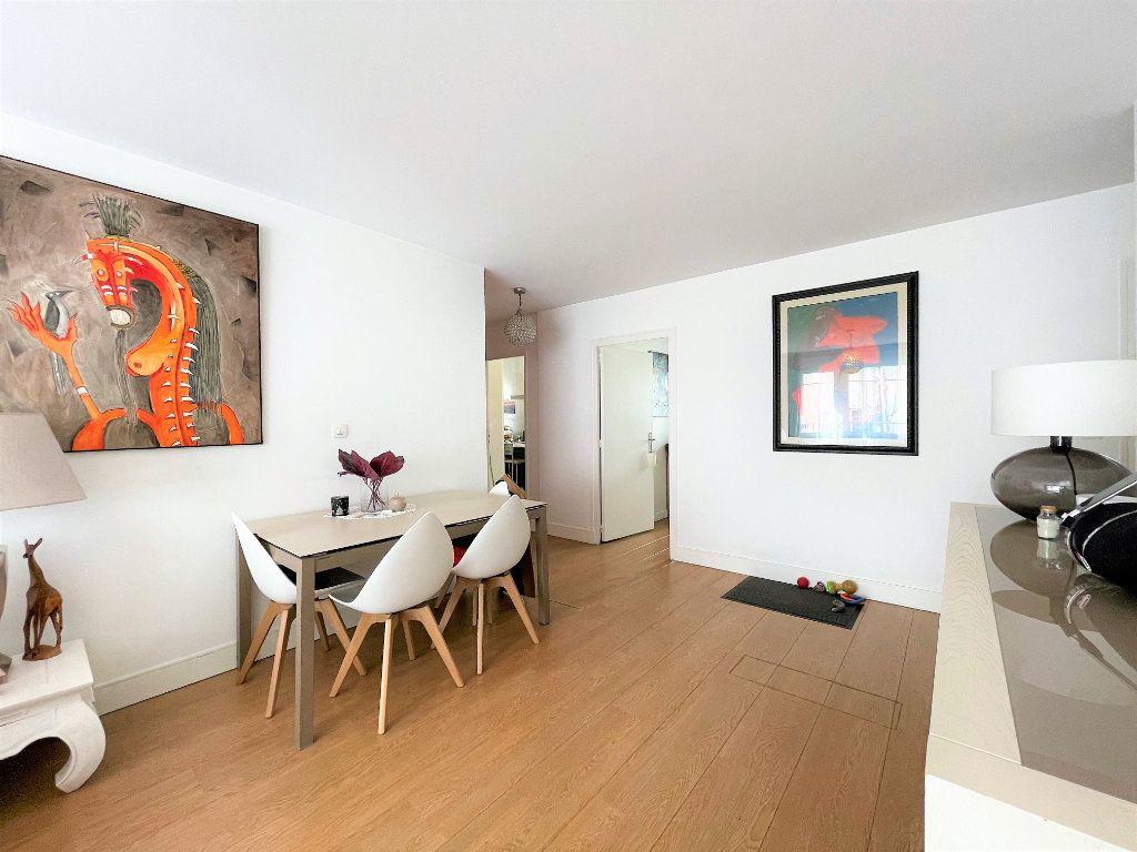 Appartement à vendre 4 79m2 à Saint-Julien-en-Genevois vignette-2