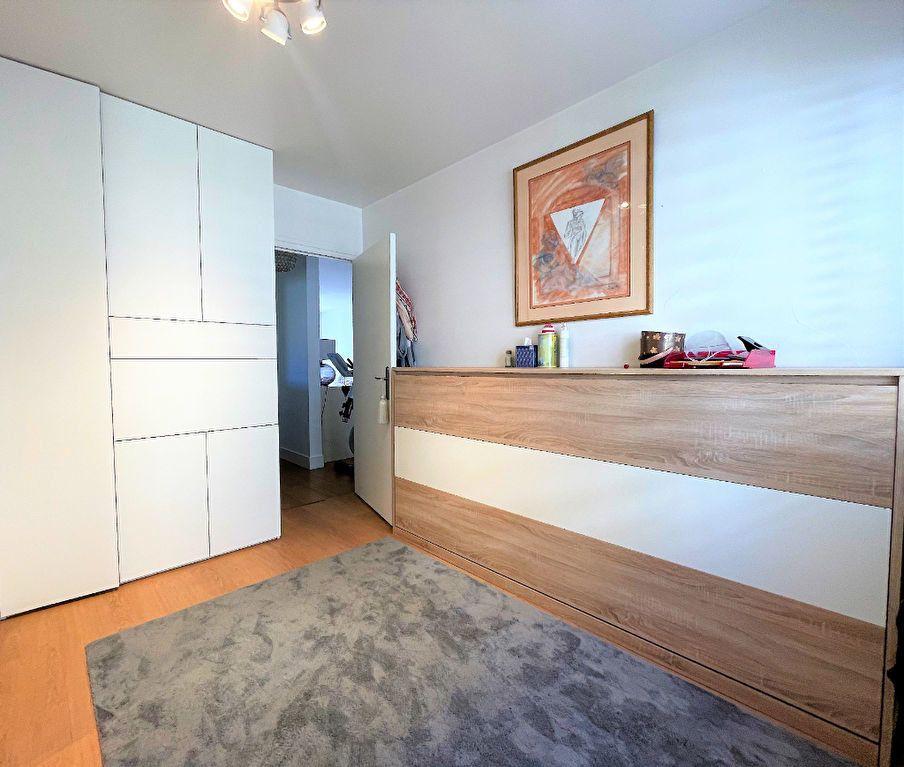 Appartement à vendre 4 79m2 à Saint-Julien-en-Genevois vignette-4
