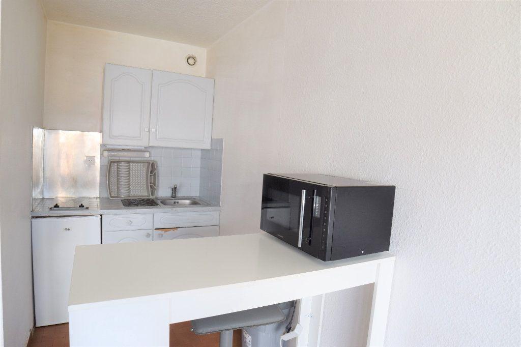 Appartement à louer 1 25.41m2 à Ambilly vignette-1