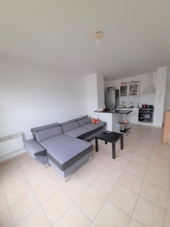 Appartement à louer 3 60.86m2 à Annemasse vignette-1