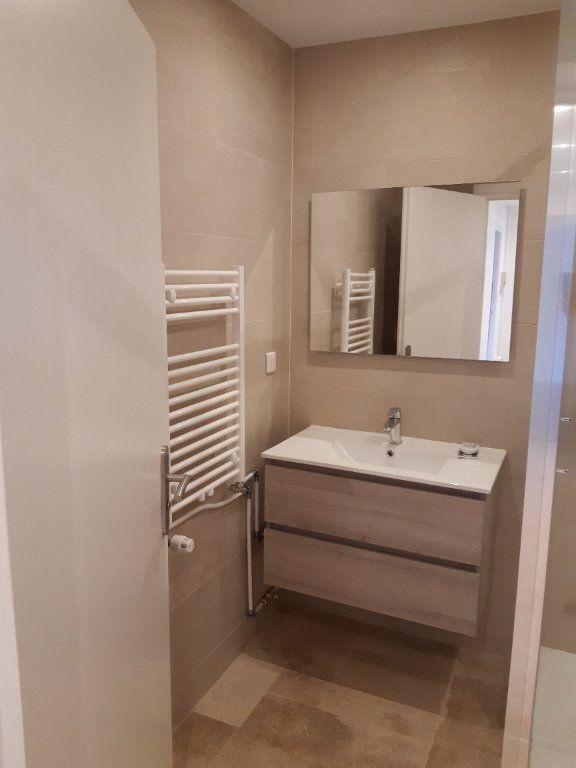 Appartement à louer 2 47.65m2 à Ornex vignette-5