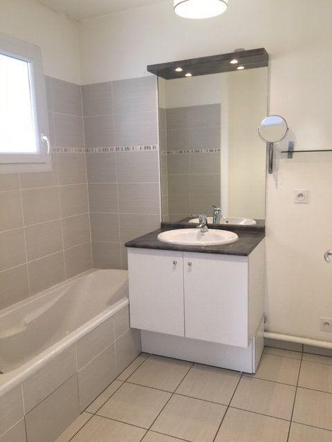 Appartement à louer 3 63.2m2 à Saint-Julien-en-Genevois vignette-6