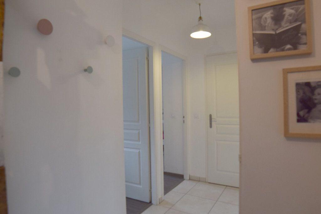 Appartement à louer 4 76.96m2 à Gex vignette-8