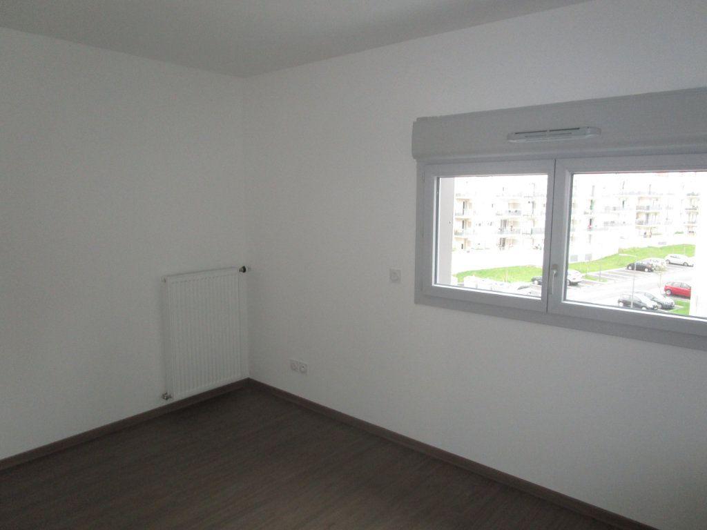 Appartement à louer 4 76.96m2 à Gex vignette-15