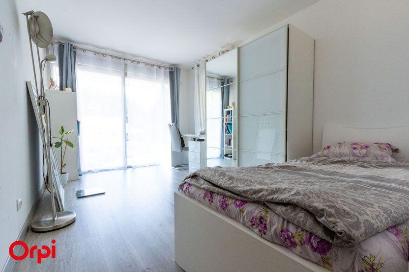 Appartement à vendre 5 106m2 à Saint-Julien-en-Genevois vignette-5