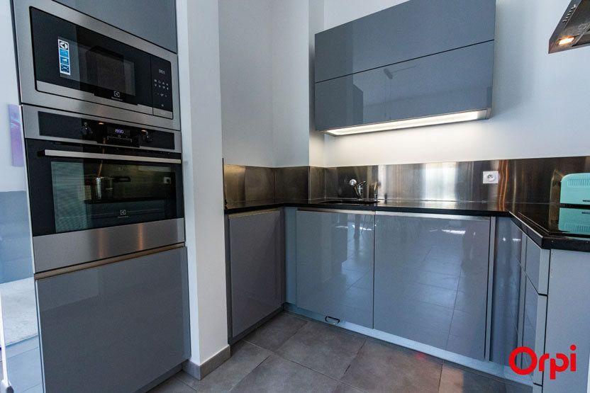 Appartement à vendre 5 106m2 à Saint-Julien-en-Genevois vignette-7