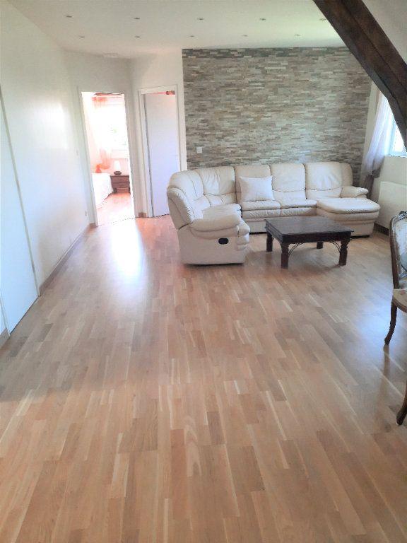 Appartement à louer 3 67m2 à Ville-la-Grand vignette-2