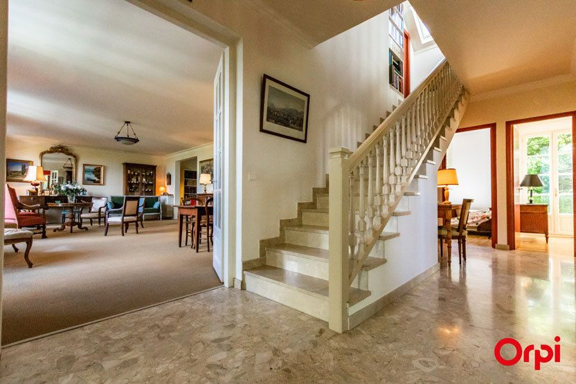 Maison à vendre 6 198m2 à Grilly vignette-3