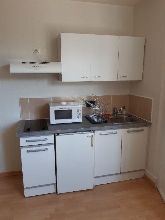 Appartement à louer 1 18.95m2 à Gex vignette-2