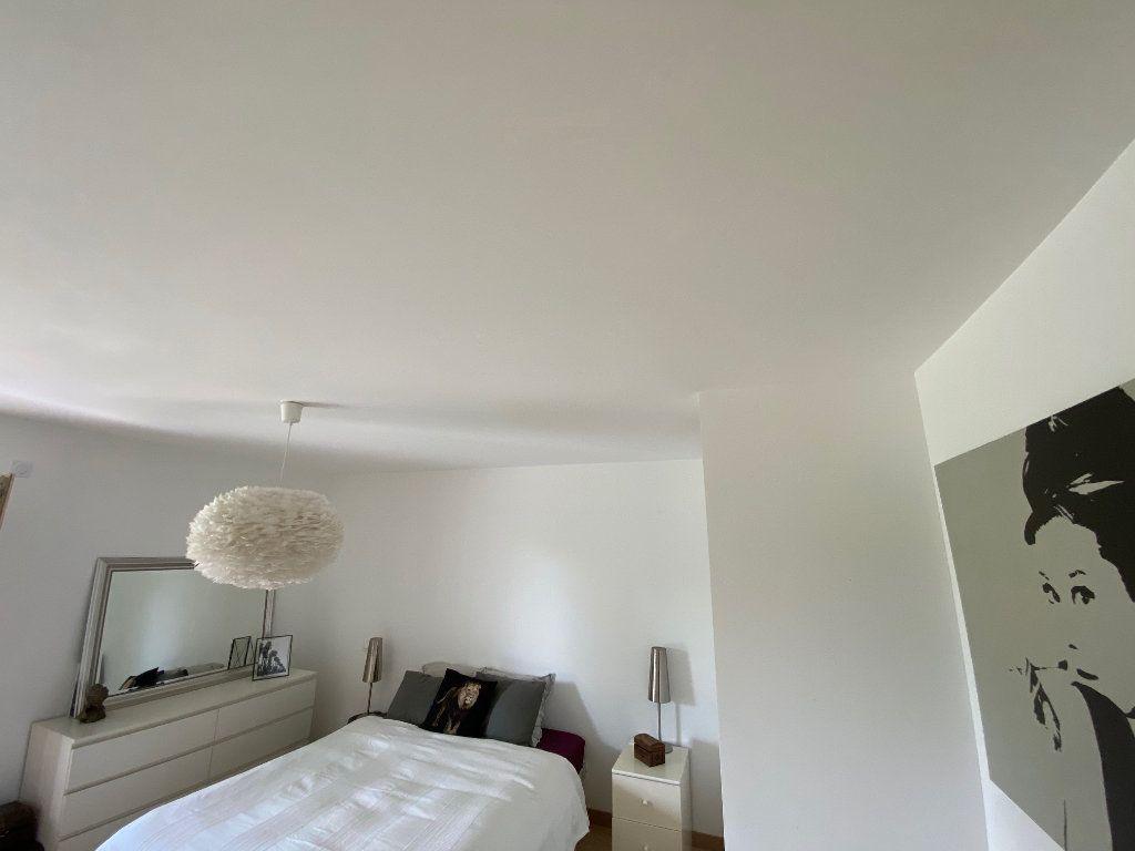 Appartement à louer 3 81.6m2 à Divonne-les-Bains vignette-7