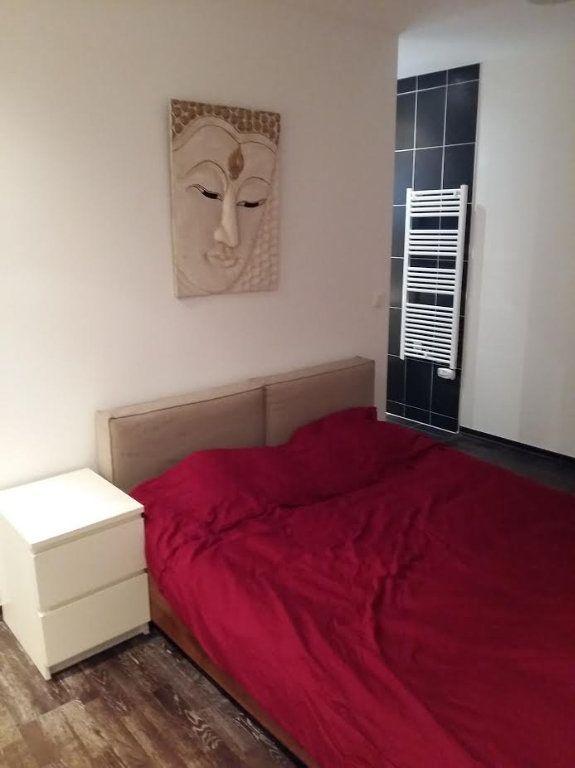 Appartement à louer 3 89.83m2 à Prévessin-Moëns vignette-3