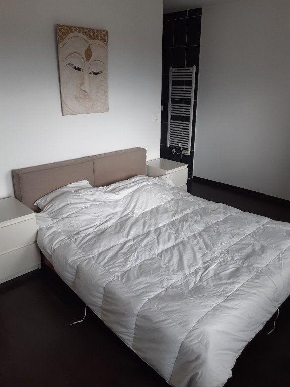 Appartement à louer 3 89.83m2 à Prévessin-Moëns vignette-7