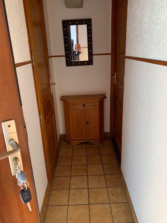 Appartement à louer 3 65.53m2 à Sergy vignette-9