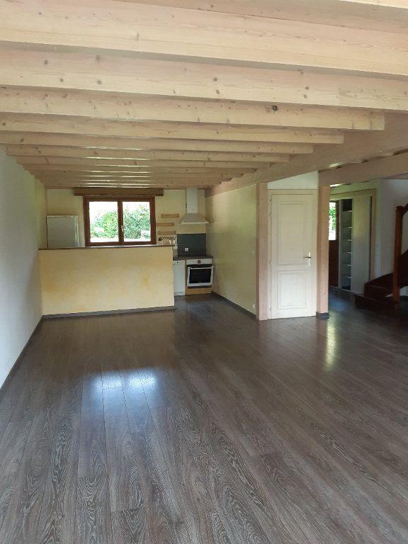 Appartement à louer 5 135.87m2 à Vesancy vignette-2