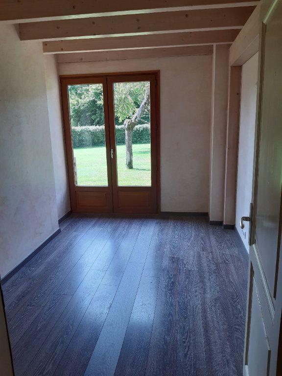 Appartement à louer 5 135.87m2 à Vesancy vignette-7