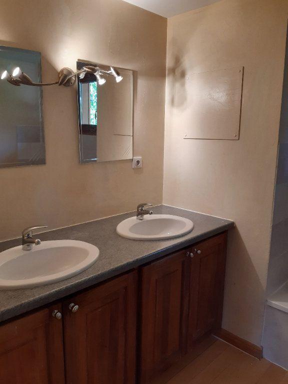 Appartement à louer 5 135.87m2 à Vesancy vignette-11