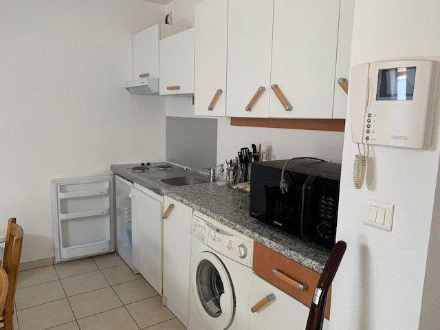 Appartement à louer 1 27.02m2 à Gex vignette-3