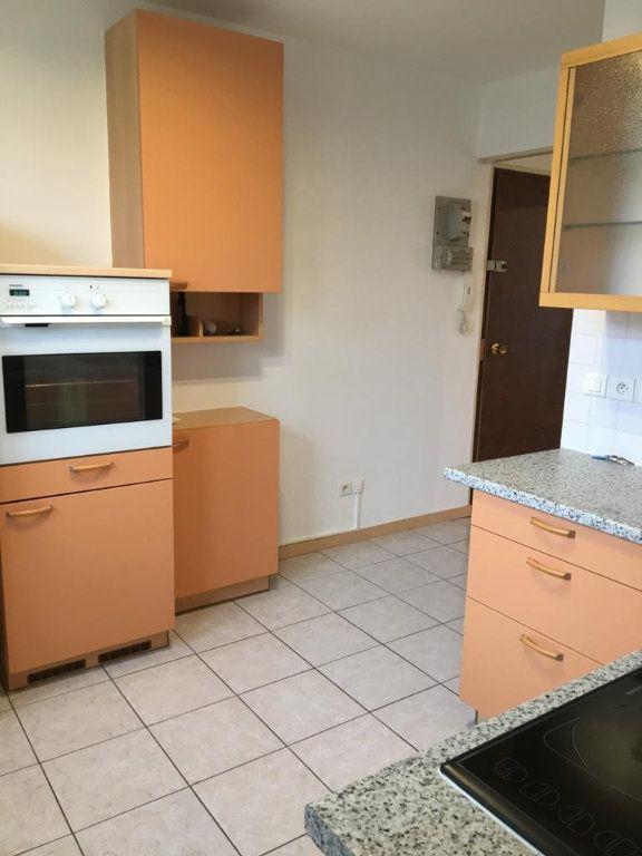Appartement à louer 3 67.51m2 à Ferney-Voltaire vignette-5