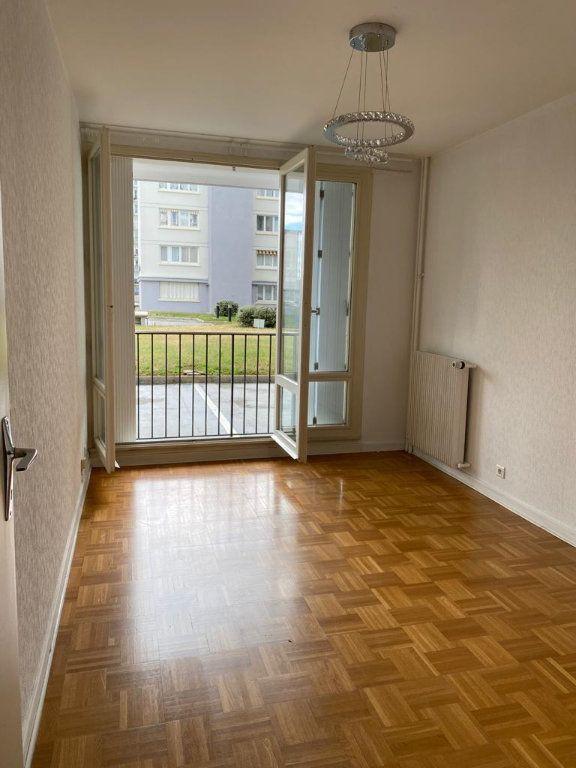 Appartement à louer 3 67.51m2 à Ferney-Voltaire vignette-6
