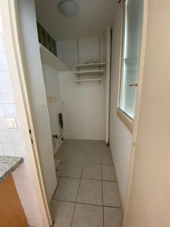 Appartement à louer 3 67.51m2 à Ferney-Voltaire vignette-8