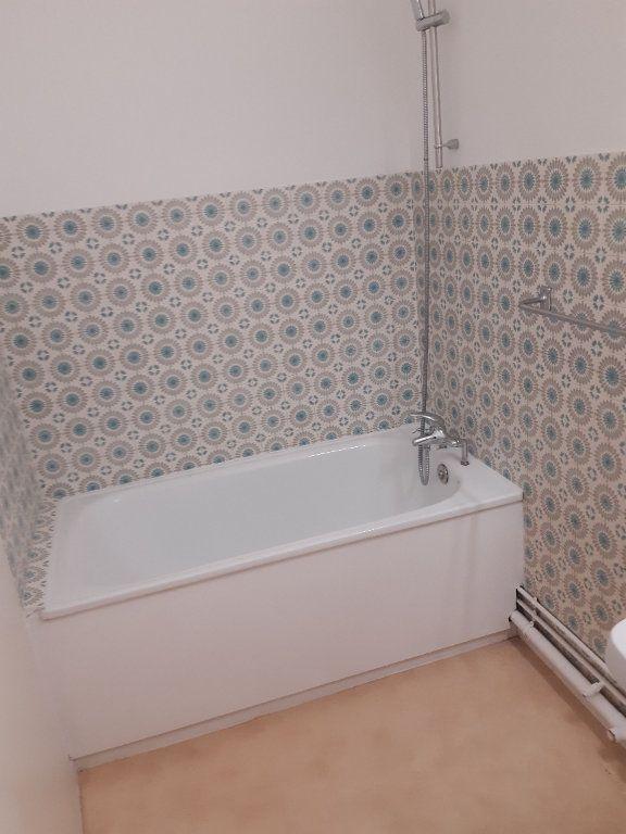 Appartement à louer 1 34m2 à Ornex vignette-6