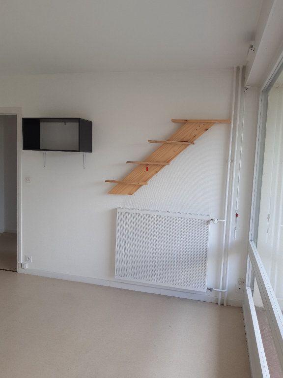 Appartement à louer 1 34m2 à Ornex vignette-7